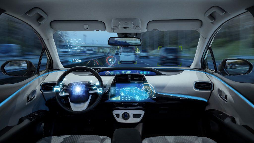 Uber y Google, carrera por la conducción autónoma