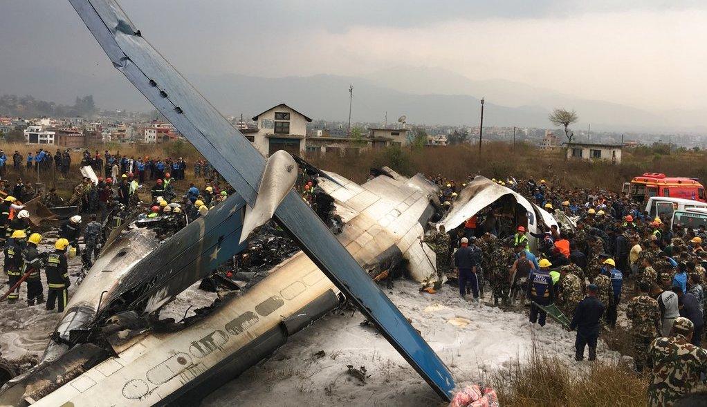 accidente de avion en nepal 49 muertos