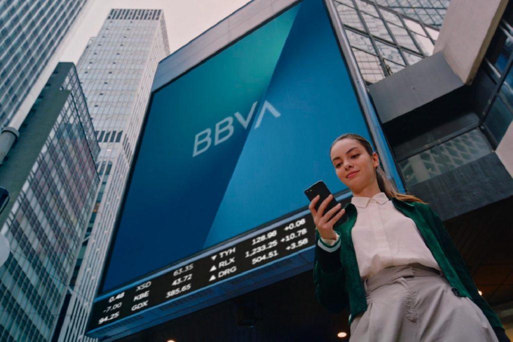 Usuarios reportan fallas en app de BBVA México desde el mediodía