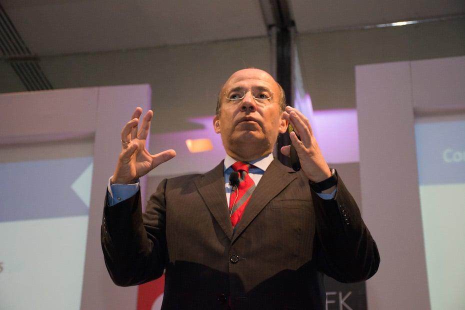Calderón arremete contra AMLO: ¿Será peor su arrogancia o su ignorancia?
