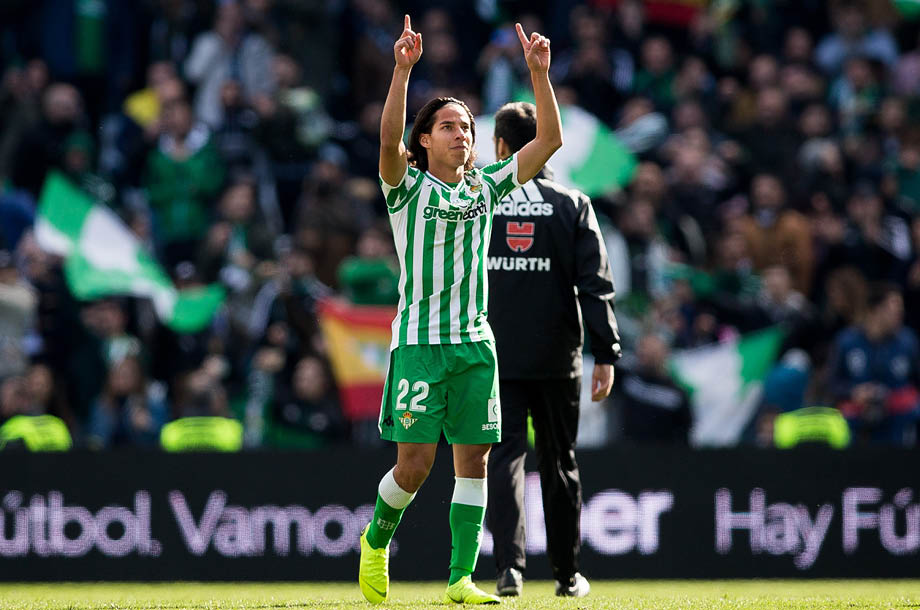 Diego Lainez se mantiene positivo en el Real Betis