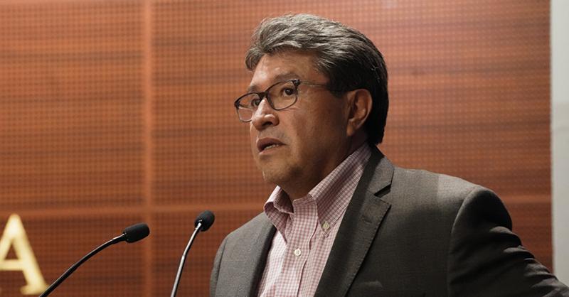 Ricardo Monreal presentará una iniciativa contra los préstamos gota a gota