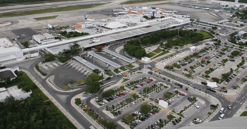 Multan a Aeropuerto de Cancún por prácticas monopólicas