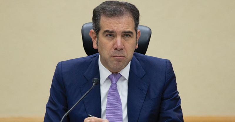 Lorenzo Córdova manifestó que existe el riesgo en la reducción de presupuesto a partidos políticos