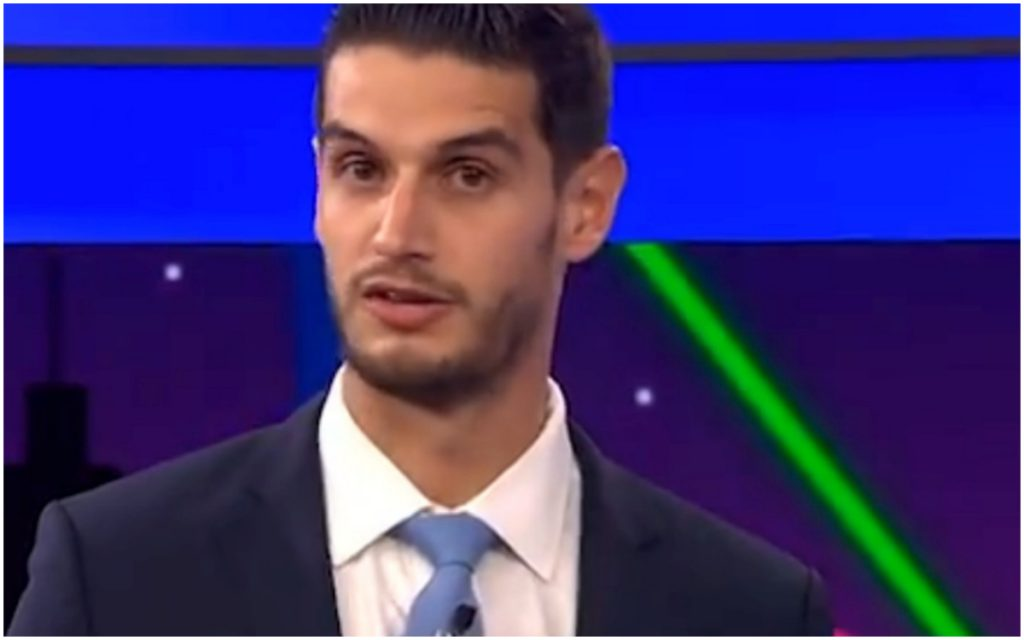 Comentarista Adrián Marcelo pide disculpa