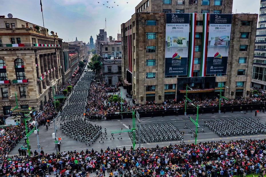 Desfile militar por la Independencia