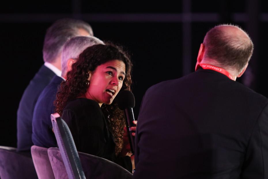 Luisa María Alcalde, jóvenes construyendo el futuro