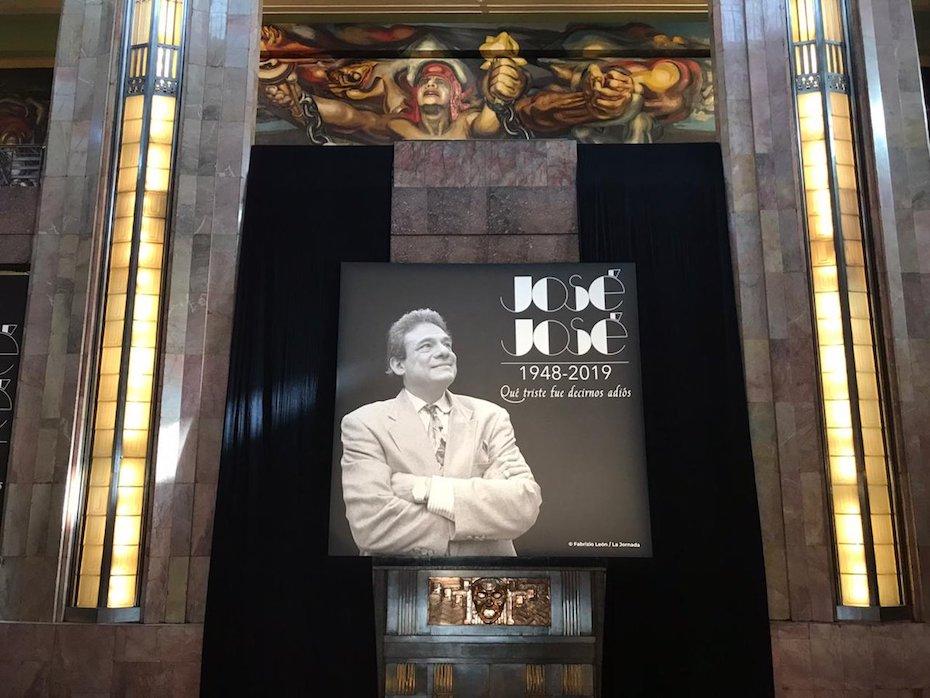 José José en Bellas Artes