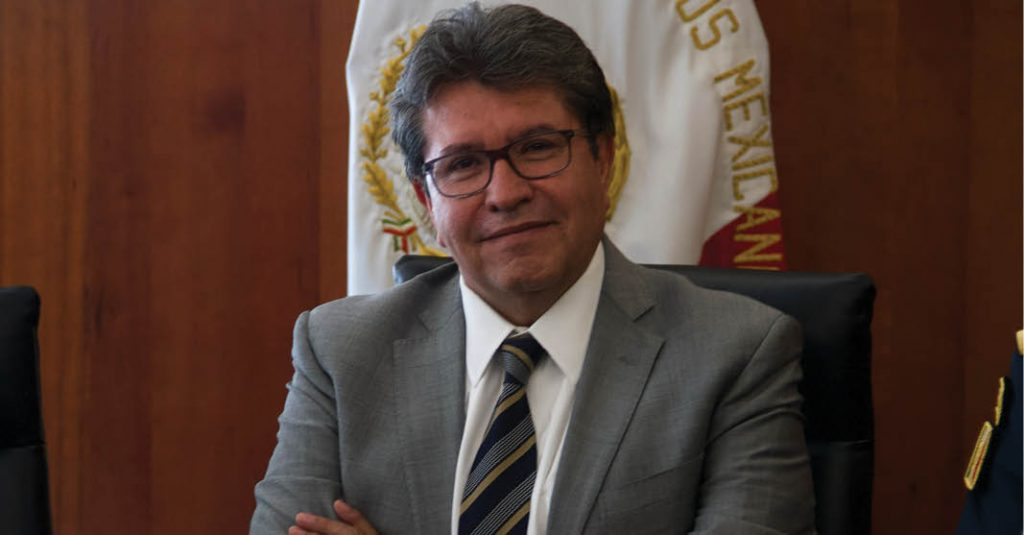 Ricardo Monreal impulsa la política de brindar un mandato dual al Banco Central