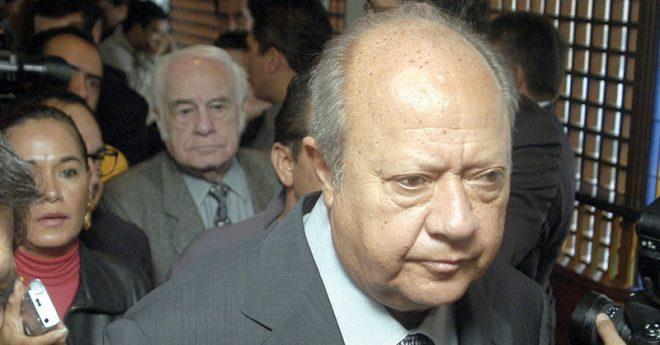 Carlos Romero Deschamps renunció como presidente del STPRM después de 26 años de estar al frente