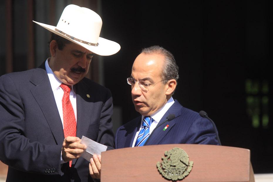 Felipe Calderón recibe al presidente Zelaya
