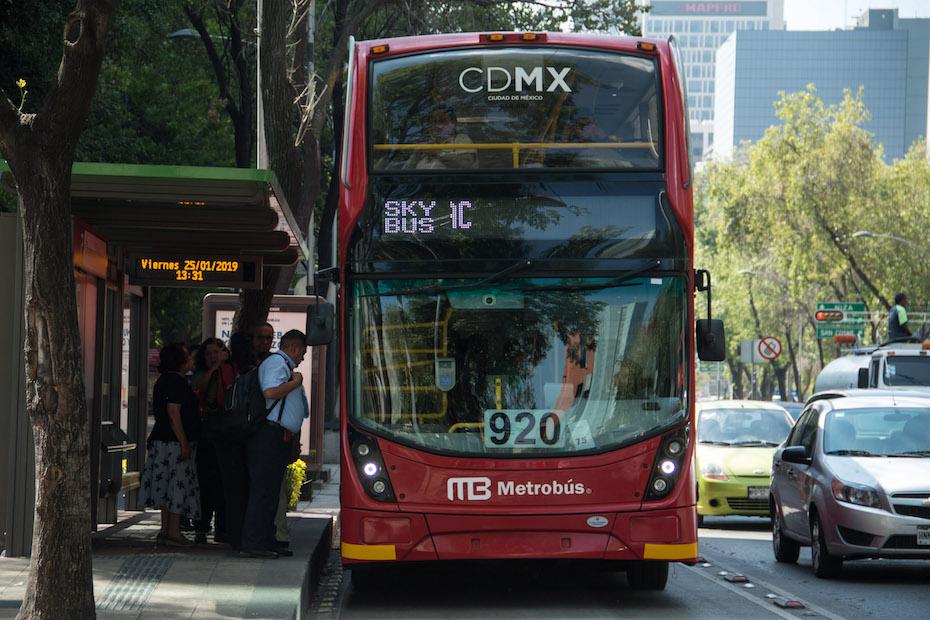 Publicidad en Metrobús de Reforma