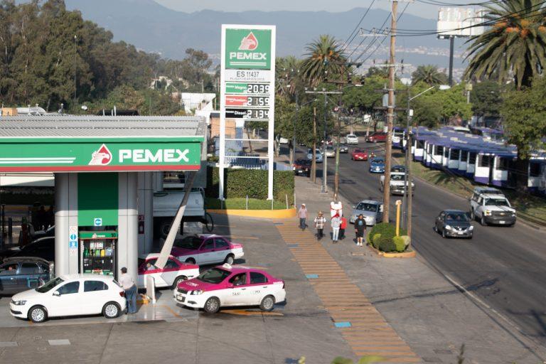 Nahle: no hay desabasto de gasolina; es información falsa