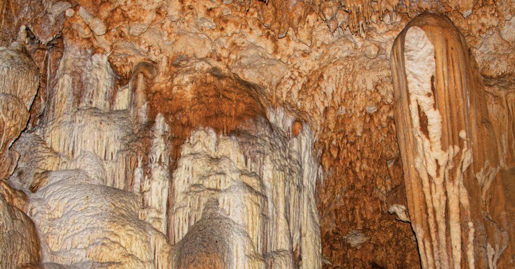 """la entrada al """"inframundo maya"""": las Grutas Chocantes o de Cristal"""