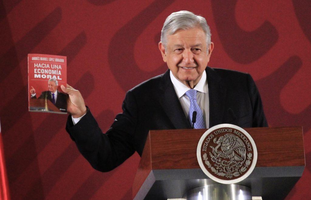 Así critica AMLO a Fox, Calderón y Peña en su nuevo libro