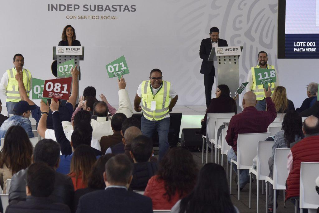 Subastas de automóviles de lujo, joyas y casas deja al gobierno 351 millones de pesos