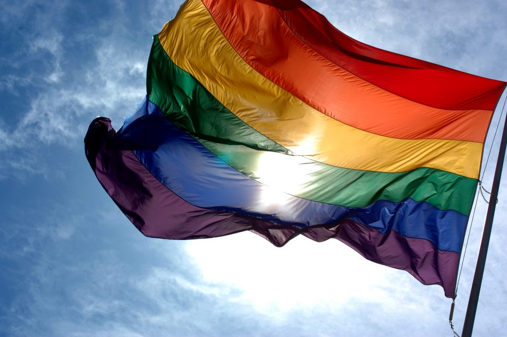 Alemania prohibe terapias de conversión