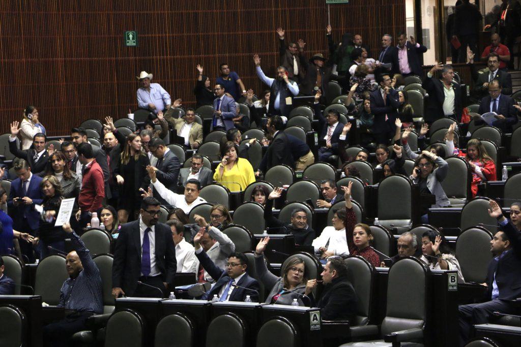 Oposición rechazan reducir financiamiento público a partidos PT