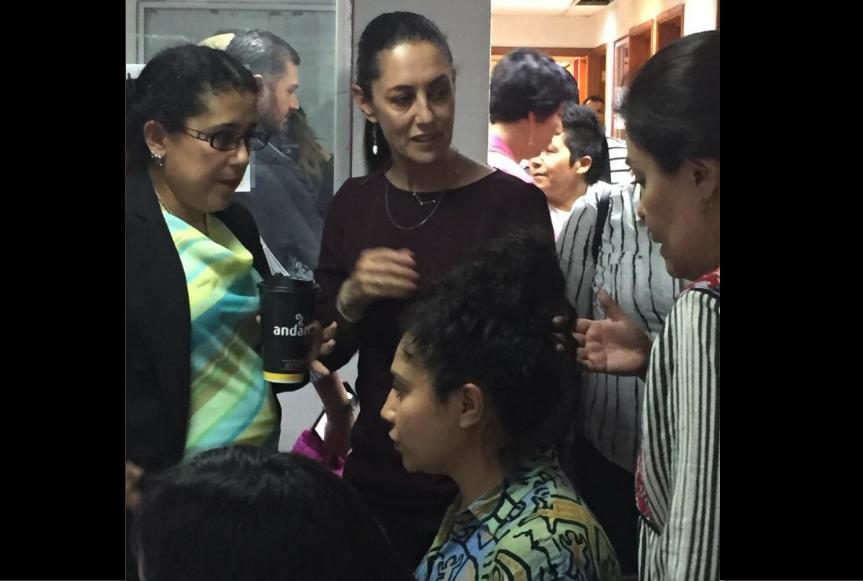 Sheinbaum rescata a mujeres detenidas que exigieron respeto a vagón exclusivo del Metro