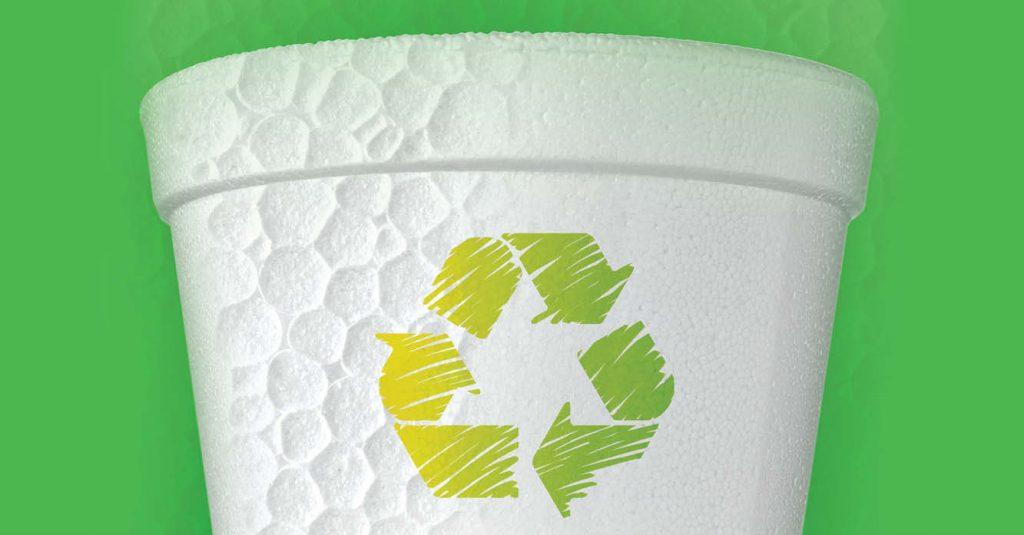 El unicel ampliamente utilizado en vasos y platos desechables, puede ser reutilizado