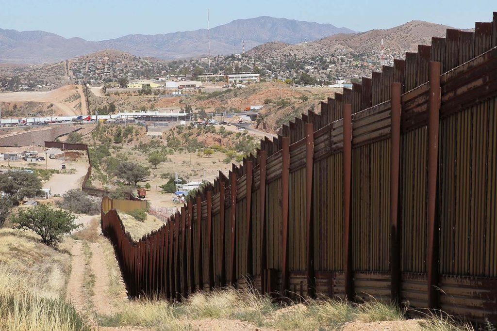 migrantes muro