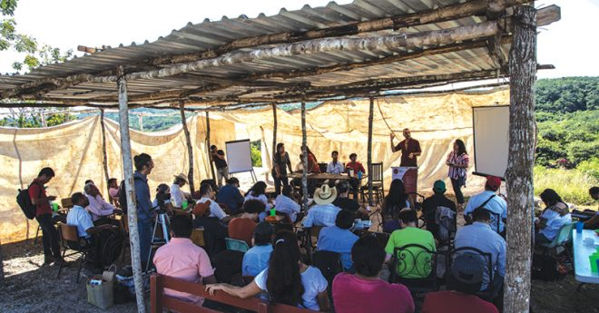 Las comunidades originarias acusan que las consultas para los megaproyectos no han sido previas ni informadas