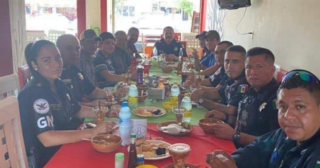 Barbosa acusa a elementos de la Guardia Nacional de compartir mesa con huachicoleros