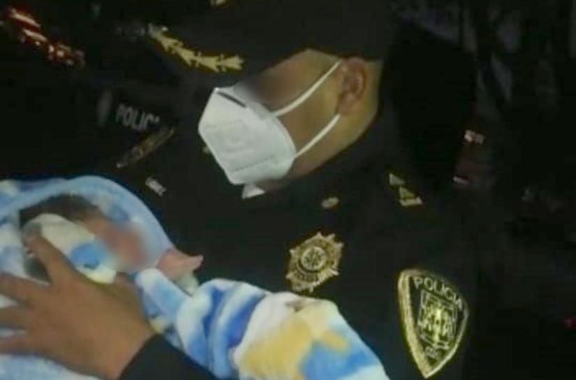 Rescatan a bebé de cinco días de nacida en parque de Coyoacán