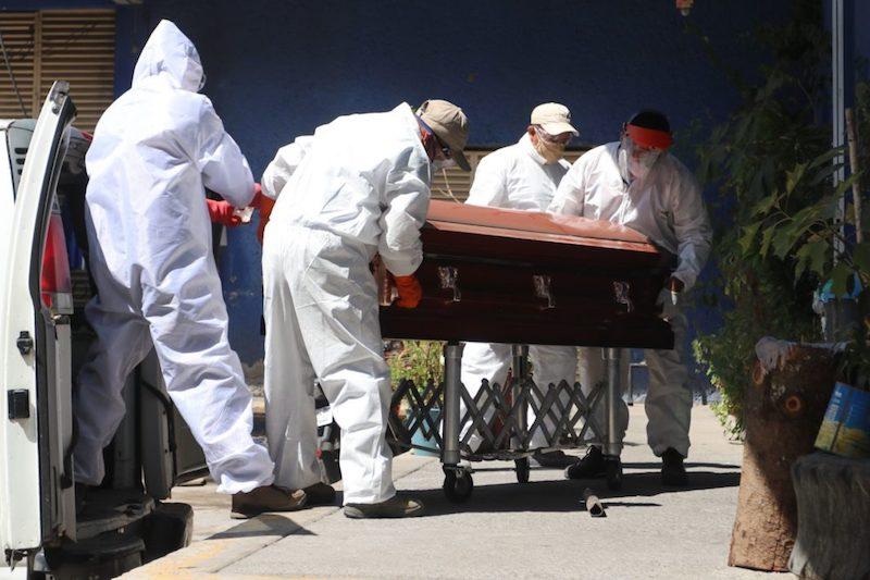 Muertes globales por COVID-19 superan el doble de cifras oficiales: IHME