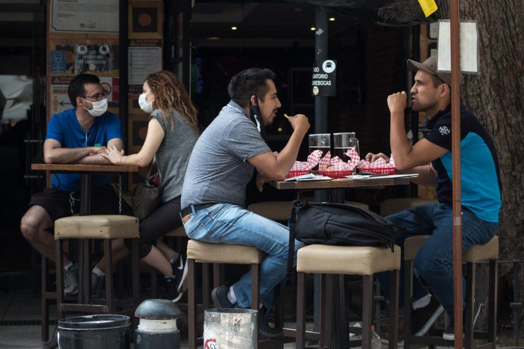Tras acuerdo, así sería reapertura de restaurantes en CDMX durante semáforo rojo