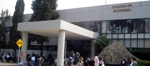 Manifestantes entregan Facultad de Economía; protestaban contra violencia de género