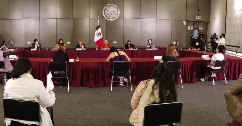 La Secretaría de Gobernación dijo a las mujeres que tienen tomada la CNDH que ofrecerán acompañamiento