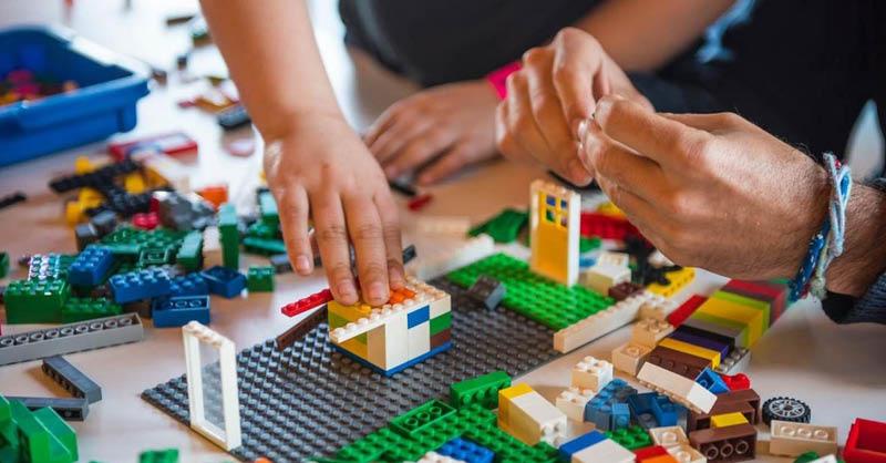 Lego está impulsando medidas para reducir el impacto al medio ambiente.