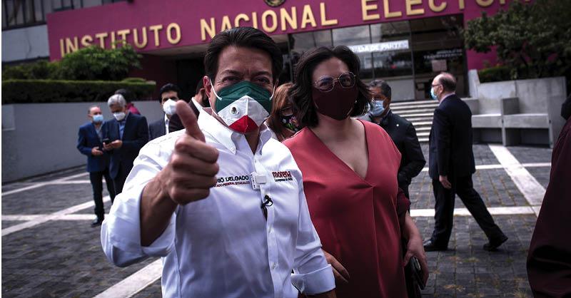 Mario Delgado se registró ayer como candidato a la presidencia de Morena
