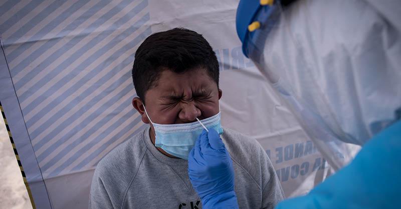 En México los casos positivos por COVID-19 en niñas, niños y adolescentes pasaron de 84 a 23 mil 046