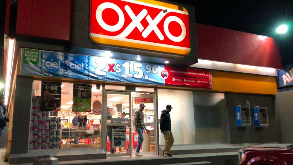 OXXO responde a críticas de AMLO: 'Usamos energías limpias y no adeudamos a CFE'