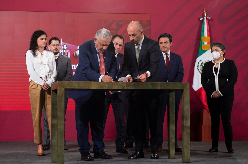 Coparmex califica como traición iniciativa de AMLO para reformar el outsourcing