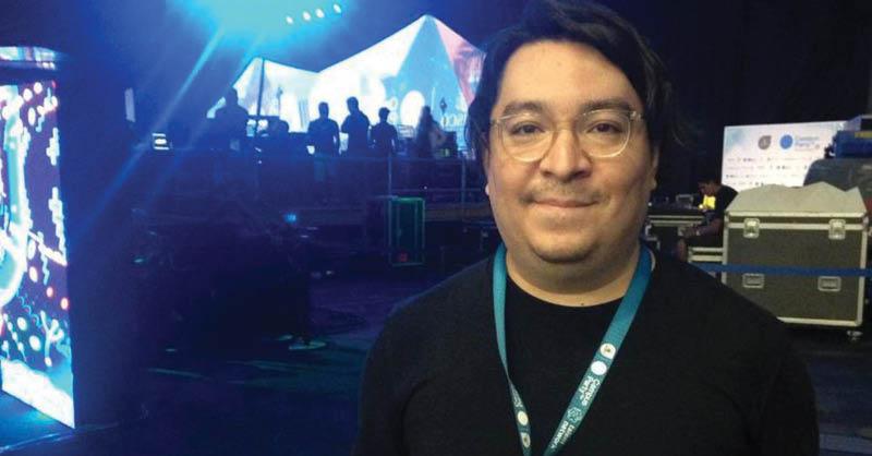 """Óscar Yasser Noriega, mejor conocido como """"Akira"""" y famoso por ser un experto de los videojuegos, falleció este lunes a causa de COVID-19"""