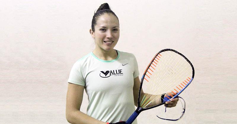Samantha Salas está próxima a ser dada de alta, y ya puede hacer movimientos con la raqueta