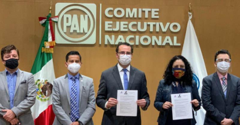 El alcalde de San Luis Potosí, Xavier Nava Palacios, solicitó ayer su registro como precandidato a la gubernatura de la entidad
