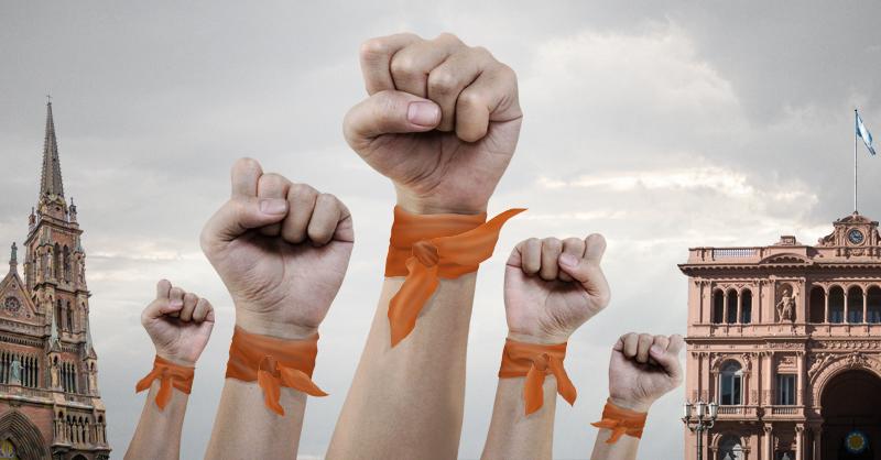 La ola de pañuelos naranja está de vuelta en Argentina