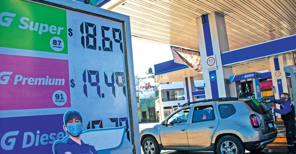 muchos distribuidores y empresarios gasolineros se estén brincando las regulaciones vigentes