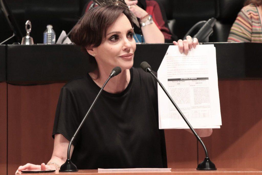 """Lilly Téllez envía carta al """"dictador"""" Díaz-Canel y reclama a AMLO por interponer su ideología"""