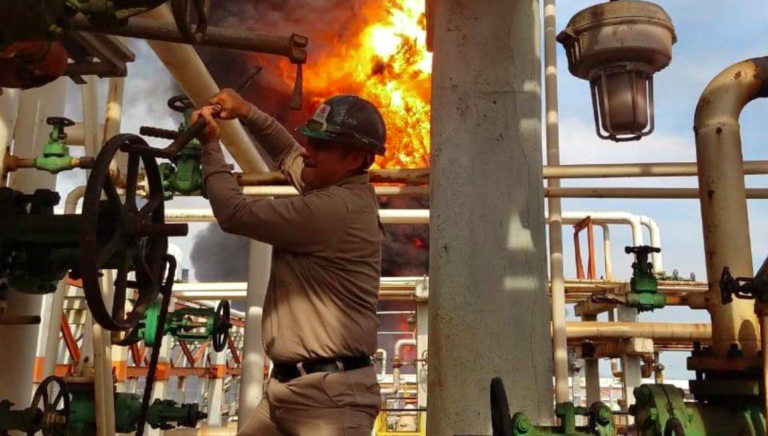 Deckar, el héroe que encaró la explosión de la refinería en Minatitlán y cerró las válvulas