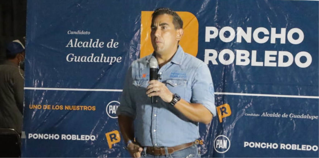 "Alfonso Robledo acusó ""intereses oscuros"" en sus denuncias de violencia de género."