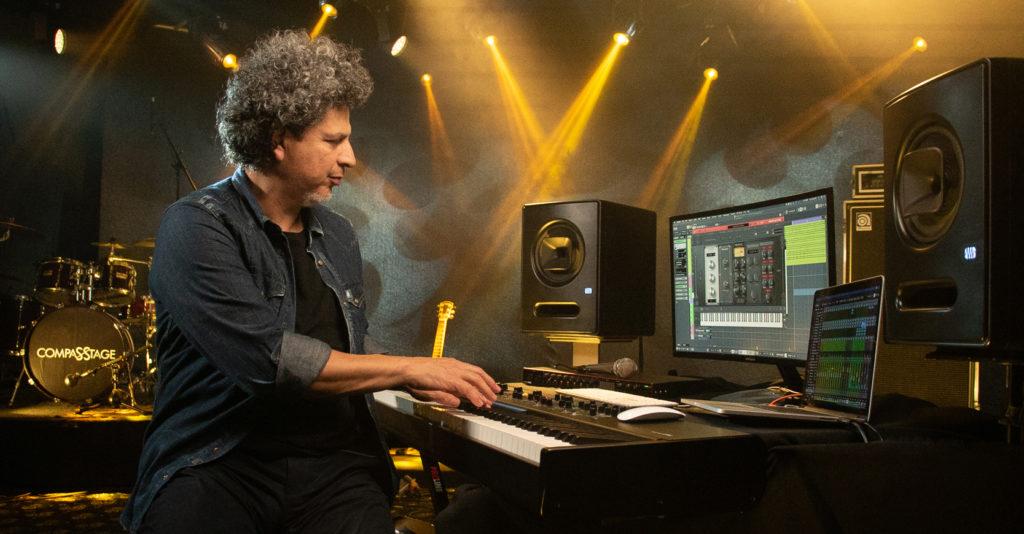 Salo Loya, músico que ha trabajado con artistas como Luis Miguel,