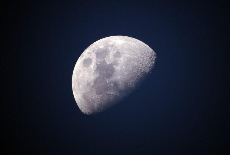 NASA escoge a SpaceX de Elon Musk para próximos descensos en la Luna