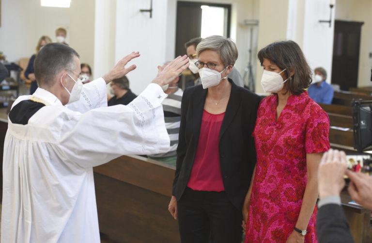 Alemanes desafían al vaticano y bendicen a parejas del mismo sexo