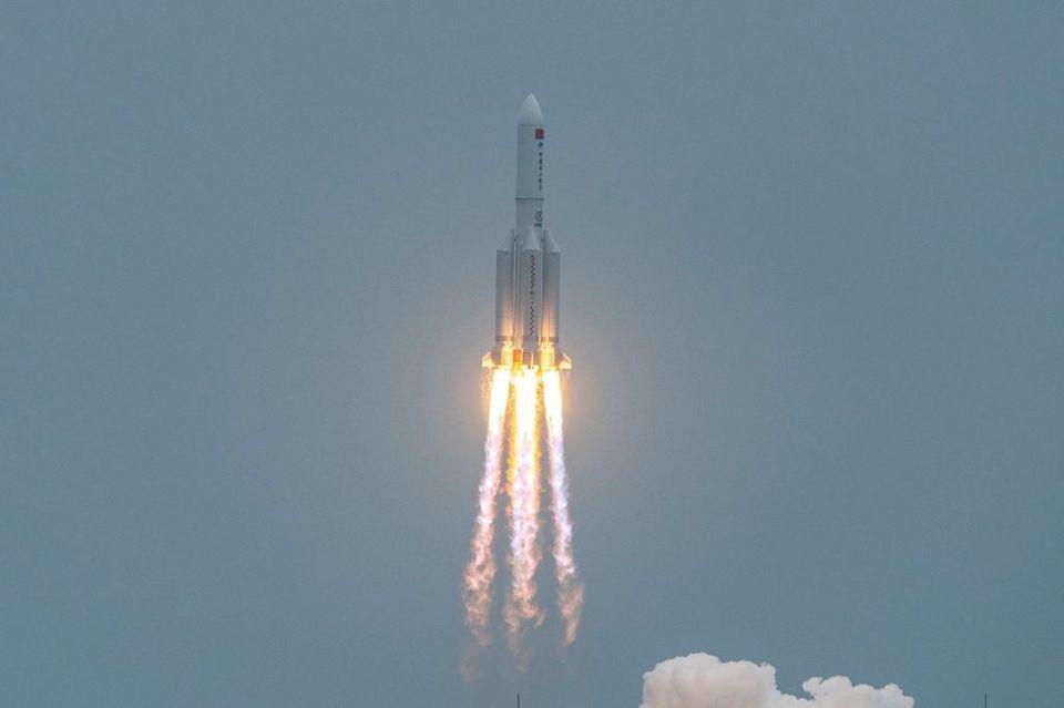 A esta hora se estrellará en la Tierra el cohete chino que viaja en el espacio
