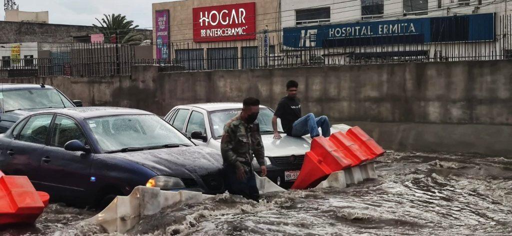Lluvias provocan graves afectaciones en ZMVM; Protección Civil activa alerta roja en Iztapalapa